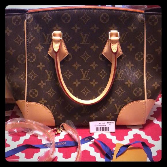 Louis Vuitton Handbags - Louis Vuitton phenix mm 💕